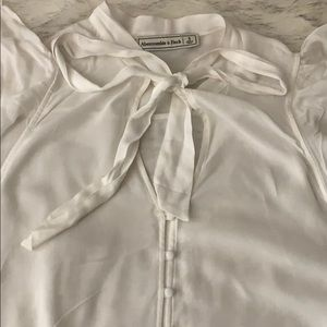 Abercrombie & Fitch Tops - Short Sleeve tie blouse
